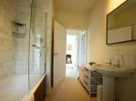 Honeysuckle Cottage - Cotswolds - 988991 - thumbnail photo 24