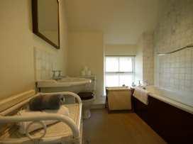 Honeysuckle Cottage - Cotswolds - 988991 - thumbnail photo 25