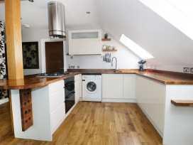 Flat 6, 48 Kings Avenue - Dorset - 989147 - thumbnail photo 7