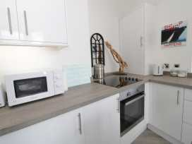Apartment 2 Orme Court - North Wales - 990161 - thumbnail photo 5