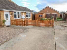 Bumble Bee Cottage - Lincolnshire - 990946 - thumbnail photo 1