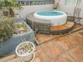 35 Seaview Terrace - South Wales - 991517 - thumbnail photo 16