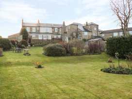 Sneaton Hall Apartment 4 - Whitby & North Yorkshire - 991604 - thumbnail photo 14