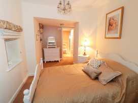 Sneaton Hall Apartment 4 - Whitby & North Yorkshire - 991604 - thumbnail photo 12