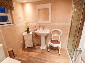 Sneaton Hall Apartment 4 - Whitby & North Yorkshire - 991604 - thumbnail photo 13