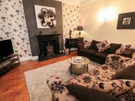 Sneaton Hall Apartment 4 - Whitby & North Yorkshire - 991604 - thumbnail photo 3