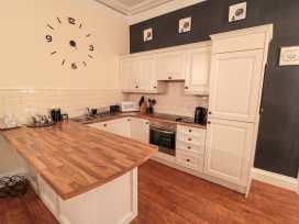 Sneaton Hall Apartment 4 - Whitby & North Yorkshire - 991604 - thumbnail photo 8