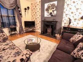 Sneaton Hall Apartment 4 - Whitby & North Yorkshire - 991604 - thumbnail photo 7