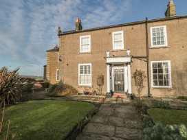 Sneaton Hall Apartment 4 - Whitby & North Yorkshire - 991604 - thumbnail photo 2