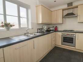Sun Apartment - Suffolk & Essex - 992071 - thumbnail photo 9