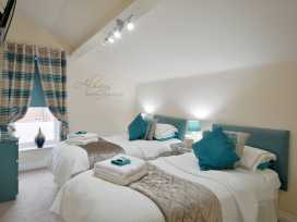 North Bay Guest House - Whitby & North Yorkshire - 992401 - thumbnail photo 9