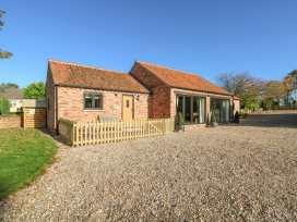 The Cottage at Grange Farm Barns - Lincolnshire - 992782 - thumbnail photo 2