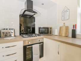 204 Sea View House - Whitby & North Yorkshire - 993008 - thumbnail photo 5
