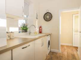 204 Sea View House - Whitby & North Yorkshire - 993008 - thumbnail photo 8