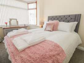 204 Sea View House - Whitby & North Yorkshire - 993008 - thumbnail photo 12