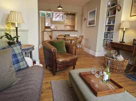Castle View Cottage - Devon - 995185 - thumbnail photo 4