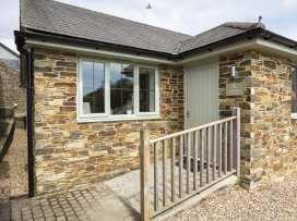 1 Coachman's Cottage, Hillfield Village - Devon - 995325 - thumbnail photo 1