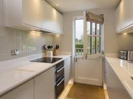 2 Keeper's Cottage, Hillfield Village - Devon - 995537 - thumbnail photo 6