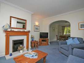 Valley View, 9 St Elmo Court - Devon - 995894 - thumbnail photo 4