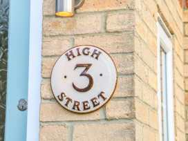 3 High Street - Central England - 996298 - thumbnail photo 2