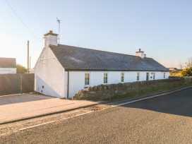 Hendre Bach - Anglesey - 996969 - thumbnail photo 1