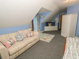 Clear View - South Wales - 997364 - thumbnail photo 25