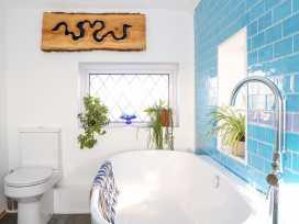 Cooden Beach House - Kent & Sussex - 997980 - thumbnail photo 34