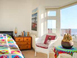 Cooden Beach House - Kent & Sussex - 997980 - thumbnail photo 25