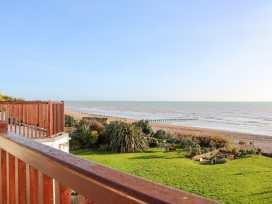 Cooden Beach House - Kent & Sussex - 997980 - thumbnail photo 40