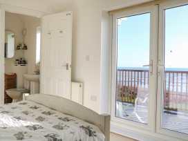 Cooden Beach House - Kent & Sussex - 997980 - thumbnail photo 22