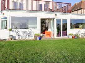 Cooden Beach House - Kent & Sussex - 997980 - thumbnail photo 37