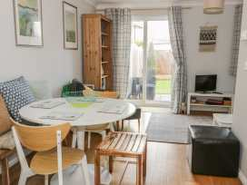 31 Cwrt Llewelyn - North Wales - 998348 - thumbnail photo 6