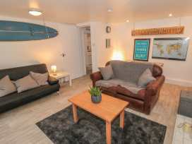 The Surfers Bolt Hole - Whitby & North Yorkshire - 998830 - thumbnail photo 2