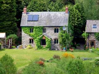 Cwm Bedw Farmhouse photo 1