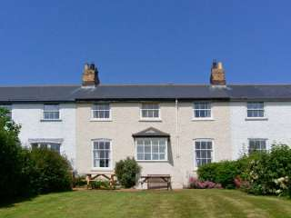 3B Coastguard Cottages photo 1