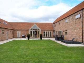 Moor Farm Barns photo 1