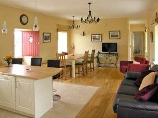 Dolmen Cottage - 3904 - photo 3