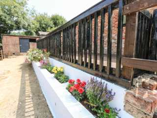 Woodpecker Cottage - 913154 - photo 9