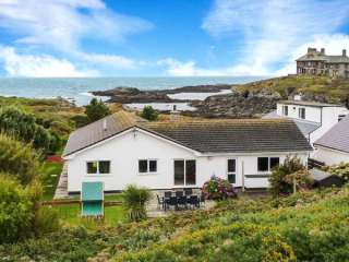 The Beach House Trearddur Bay - 914927 - photo 1