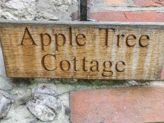 Apple Tree Cottage - 925256 - photo 3