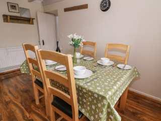 Cozy Cwtch Cottage - 935330 - photo 9
