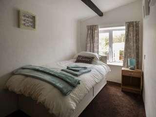 Glandwr Cottage - 944208 - photo 4