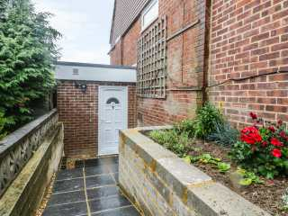 5 Firle Road Annexe photo 1