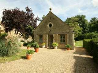 Garden Cottage - 988739 - photo 1