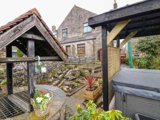 Shenton Cottage - 989696 - photo 1