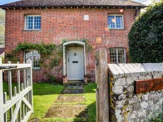 The Moat Cottage - 990581 - photo 1