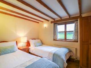 Hook Cottage - 999356 - photo 9