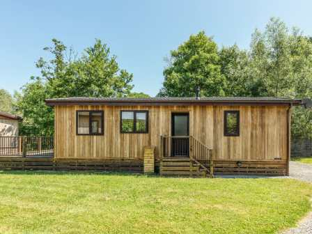 Last Minute Lodges | Deals on Log Cabin Breaks & Holidays