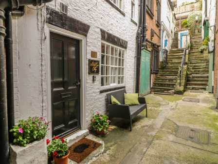 Stupendous Dog Friendly Whitby Cottages Rent Pet Friendly Self Download Free Architecture Designs Licukmadebymaigaardcom