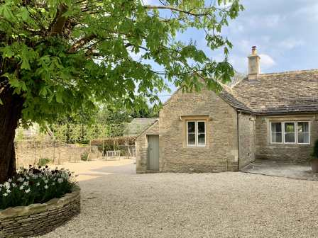 Surprising Bibury Cottages To Rent Self Catering Holidays Sykes Download Free Architecture Designs Lukepmadebymaigaardcom